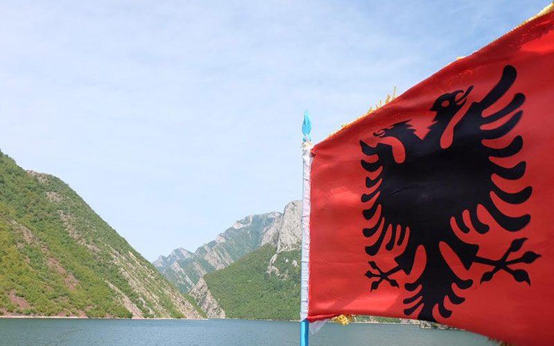 komani lake limitless albania